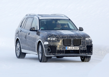 BMW X7, le foto spia