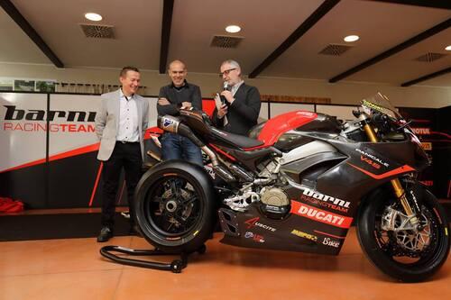 Il Team Barni Racing presenta la Ducati Panigale V4 che porterà al  National Trophy