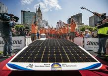 World Solar Challenge: auto ad energia solare percorre oltre 3.000 km in meno di 38 ore