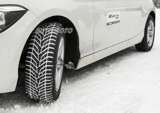 Gomme invernali: tutti i luoghi comuni, dai SUV al rischio multe