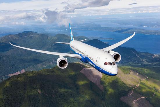 Un Boeing 787-9, capace di autonomia record vicina ai 14500 km