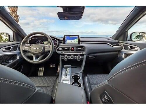 New York Auto Show 2018: ecco la nuova Genesis G70, berlina di lusso - video (5)