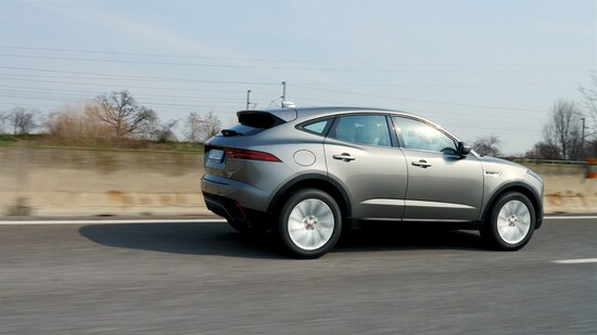Jaguar E-Pace in viaggio: comodità e sicurezza sono i suoi plus