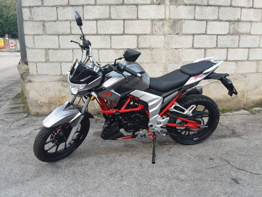 Vendo Senke SK Naked 125 (2017 - 20) nuova a Montebelluna