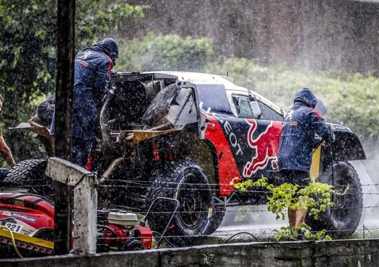 Dakar 2016. Peterhansel, tripletta Peugeot, e la Honda di Gonçalves