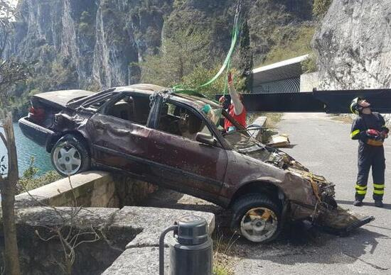 Audi 100 riemerge dal Garda dopo 20 anni
