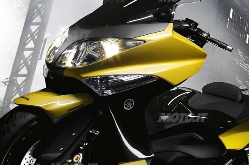 Yamaha TMAX 500. Lo scooter giapponese non risente della crisi