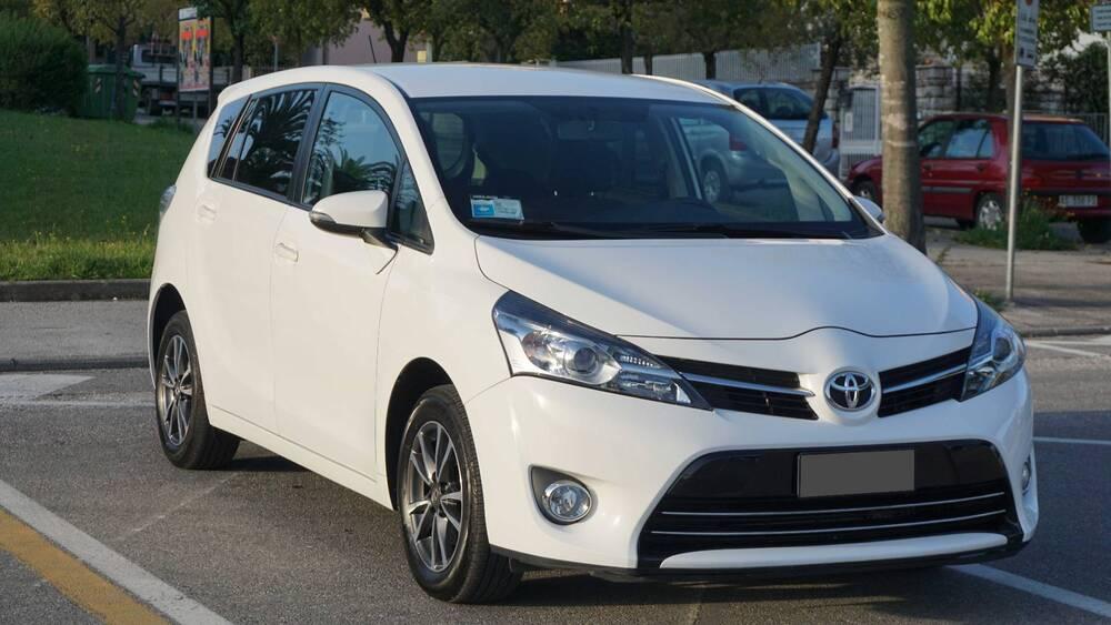 Toyota Verso 1.6 Active 7 posti del 2014 usata a Montecatini-Terme
