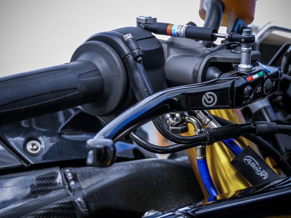 La pompa Brembo RCS 19 Corsa Corta montata sulla