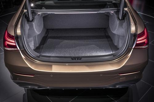 Mercedes Classe A: la versione sedan debutta a Pechino 2018 (7)