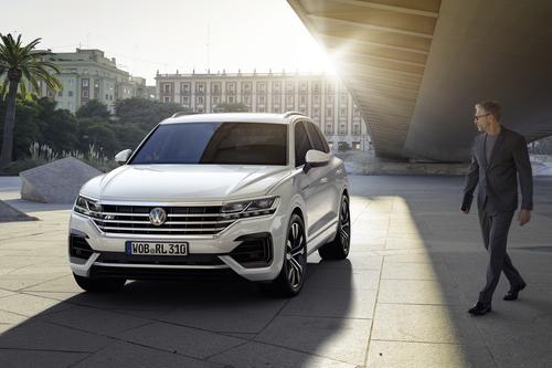 Volkswagen Touareg, i prezzi: si parte da 65.500 euro