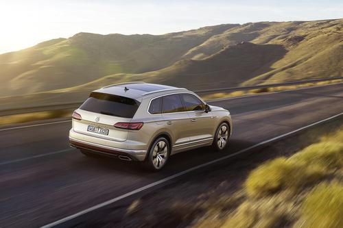 Volkswagen Touareg, i prezzi: si parte da 65.500 euro (4)