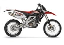 Aprilia presenta l'evoluzione di RXV 450 e 550 per l'anno 2008