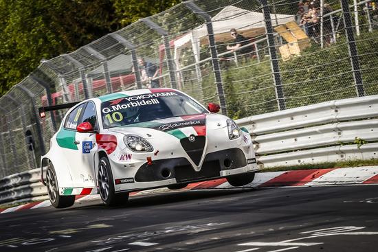 Le Alfa Romeo corrono ancora nel Mondiale Turismo, ma non volano come un tempo