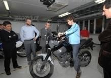Valentino Rossi visita Yamaha Motor Italy