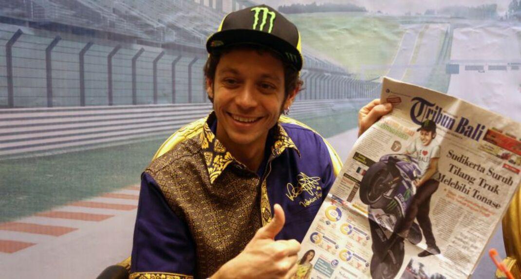 Valentino Rossi in tour in Indonesia (2)