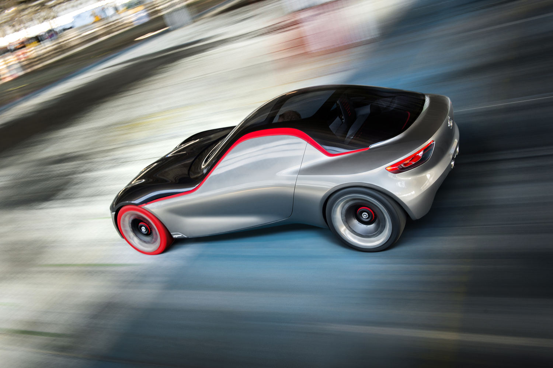 Opel GT concept: torna la trazione posteriore
