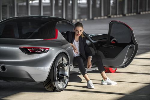 Opel GT concept: torna la trazione posteriore (5)