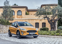 Ford Fiesta Active 2018 | 3 cm in più e connotati da mini-SUV [Video]