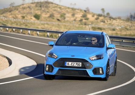 Ford Focus RS   Ovali ovali ovali e tanto divertimento... [Video]