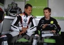Schumi testa la Honda di Carlos Checa sulle piste della SBK