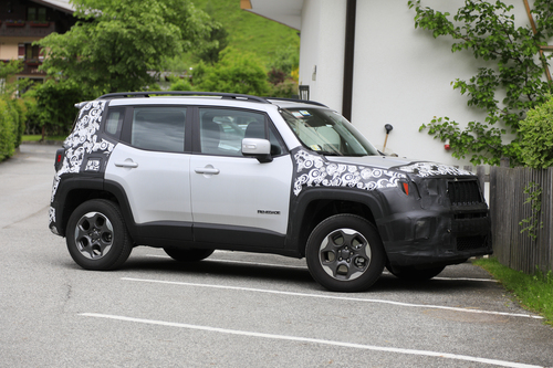 Jeep Renegade restyling, le foto spia (5)