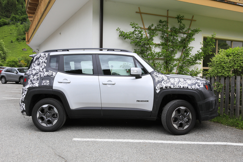 Jeep Renegade restyling, le foto spia (7)