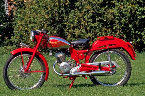 Il Leoncino della Benelli è stato costruito in oltre 40.000 esemplari. Versatile e robusto, era azionato da un monocilindrico a due tempi di 125 cm3; al modello base si aggiungeva una variante sportiva