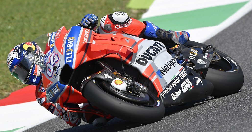 Trionfo Ducati al Mugello: vince Lorenzo davanti a 'Dovi'. Terzo Valentino Rossi