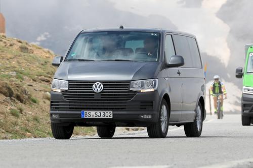 Volkswagen T7: ecco i muletti in strada (3)