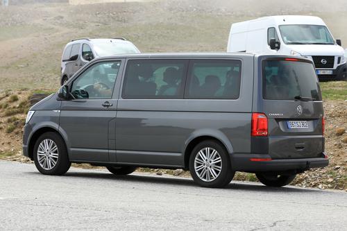 Volkswagen T7: ecco i muletti in strada (6)