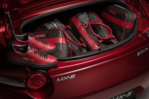 Mazda MX-5 Limited Edition Pollini Heritage (4)
