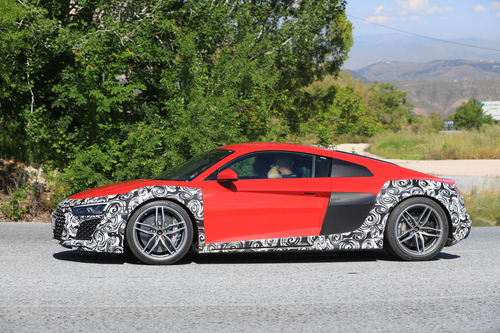 Audi R8 restyling, le foto spia (4)