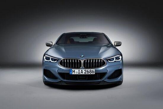 I fari led sono i più sottili di qualunque BMW mai prodotta, sulla nuova Serie 8