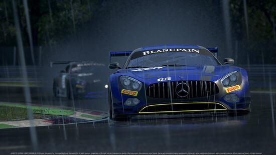 La Mercedes AMG GT3 sotto il diluvio