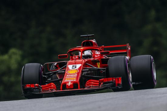 La penalità comminata a Vettel in Austria complica non poco la sua gara