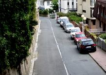 Parcheggiare sul marciapiede? In Inghilterra si può
