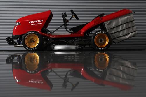 Honda Mean Mower V2, il tosaerba record da 240 km/h  (8)