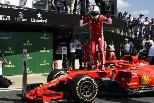 F1, GP Silverstone 2018: Mercedes-Ferrari, volano scintille (6)