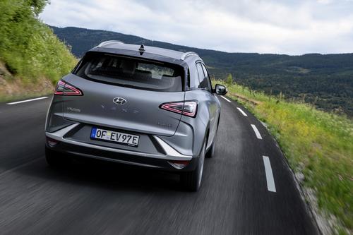 Hyundai Nexo: il futuro a idrogeno è già qui e funziona bene [video] (6)