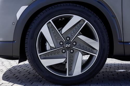 Hyundai Nexo: il futuro a idrogeno è già qui e funziona bene [video] (4)