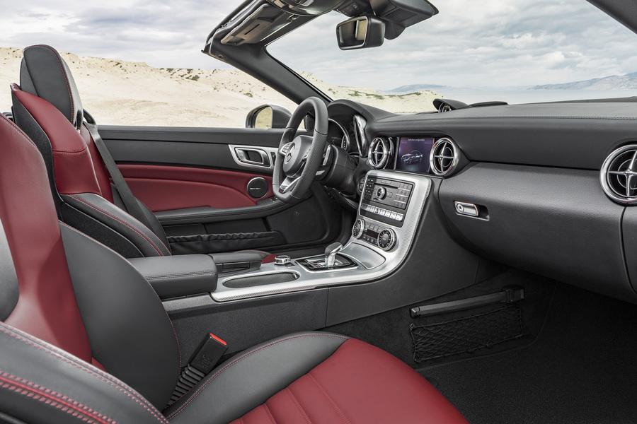 Mercedes-Benz SLC (2)