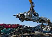 Guida alla demolizione dell'auto: documenti e costo