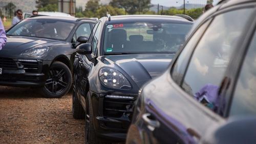 Nuova Porsche Macan 2019: ecco il teaser (3)