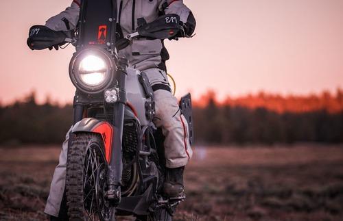 Ducati Scrambler Desert Sled Earle Alaskan, quando enduro fa rima con Ducati (3)