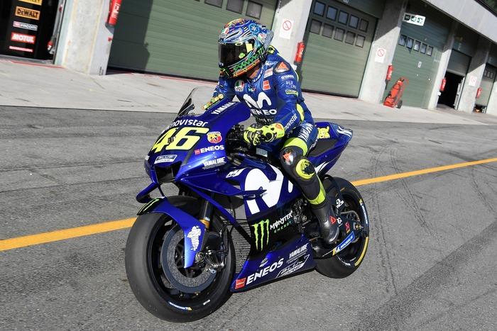 La nuova carenatura Yamaha provata da Valentino Rossi