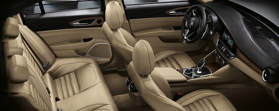 Una vista degli interni della nuova Alfa Giulia
