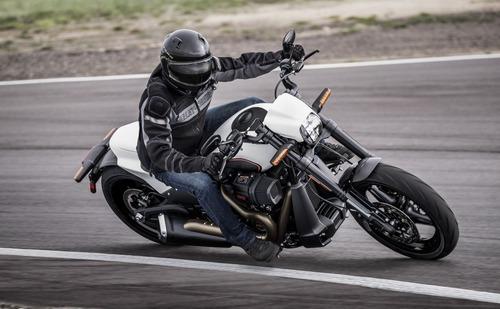 """Harley-Davidson FXDR 114"""" 2019. Foto e Video (2)"""