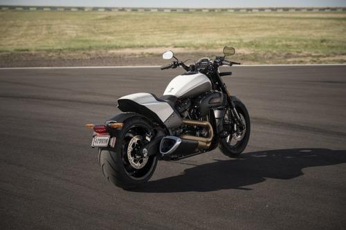 """Harley-Davidson FXDR 114"""" 2019. Foto e Video (9)"""