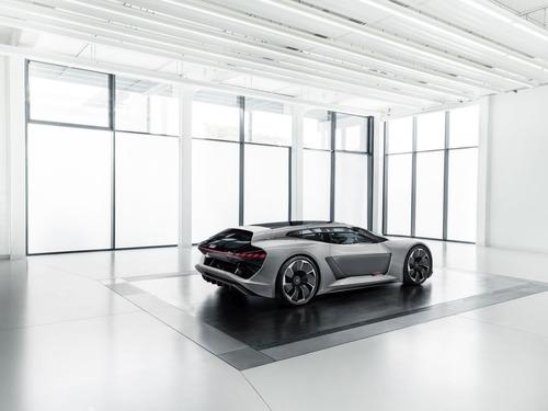 Audi PB18 e-tron, supercar del futuro (4)